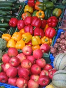 GMO Vs Organic Veggies