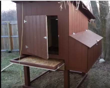 Easily cleaned Chicken Coop